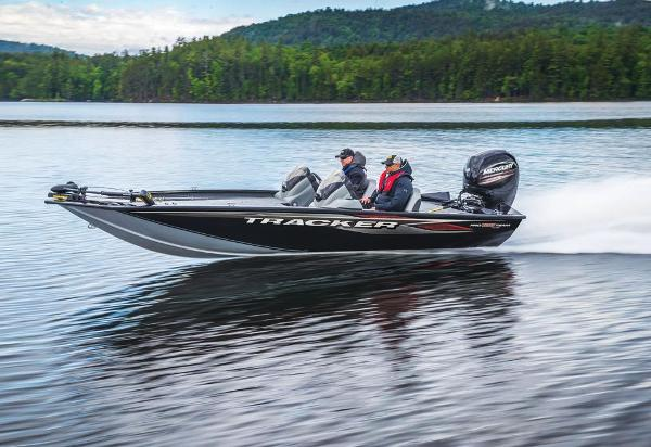 2020 Tracker Boats boat for sale, model of the boat is Pro Team 195 TXW & Image # 4 of 53