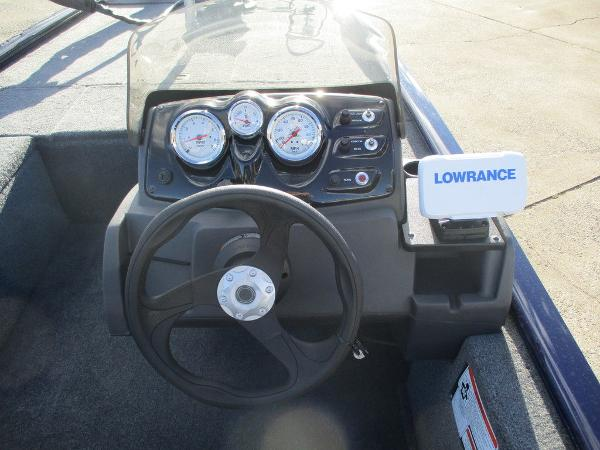 2021 Tracker Boats boat for sale, model of the boat is Pro 170 & Image # 3 of 15