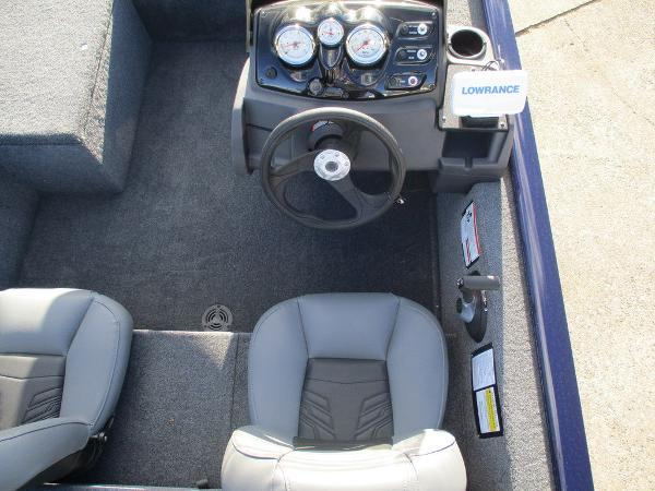 2021 Tracker Boats boat for sale, model of the boat is Pro 170 & Image # 4 of 15