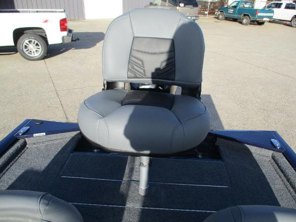 2021 Tracker Boats boat for sale, model of the boat is Pro 170 & Image # 5 of 15