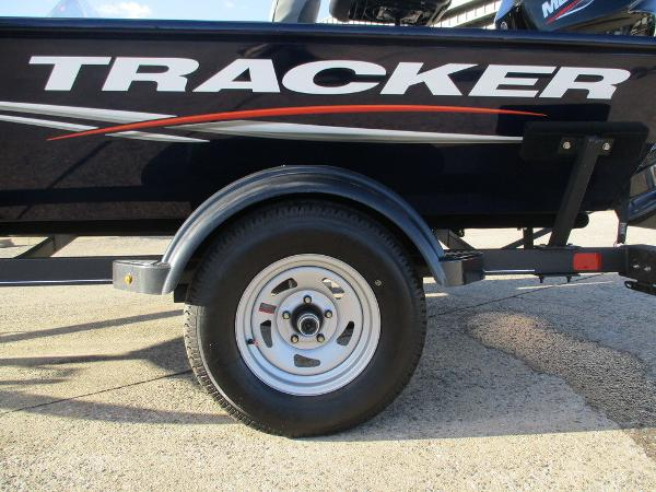 2021 Tracker Boats boat for sale, model of the boat is Pro 170 & Image # 6 of 15