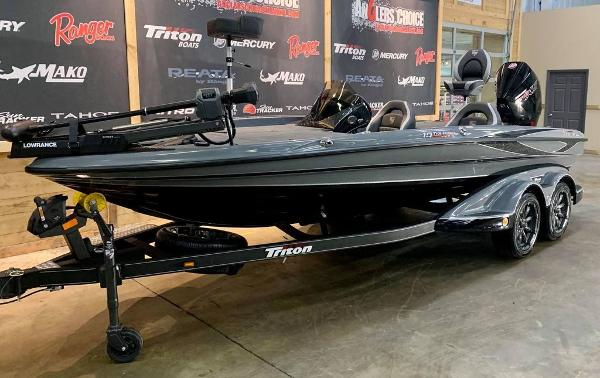 2021 Triton boat for sale, model of the boat is 19 TRX Patriot & Image # 16 of 18