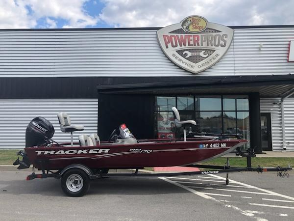2018 Tracker Boats boat for sale, model of the boat is Pro 170 & Image # 5 of 5