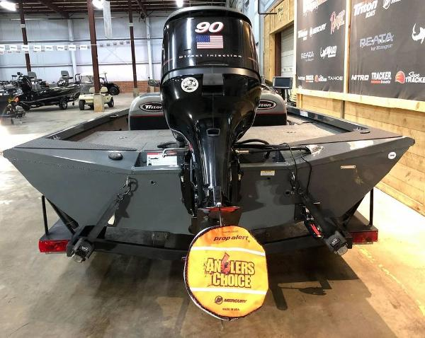 2014 Triton boat for sale, model of the boat is 18 TX & Image # 6 of 18