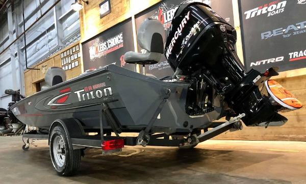 2014 Triton boat for sale, model of the boat is 18 TX & Image # 7 of 18