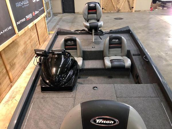 2014 Triton boat for sale, model of the boat is 18 TX & Image # 10 of 18