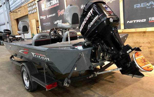 2014 Triton boat for sale, model of the boat is 18 TX & Image # 13 of 18