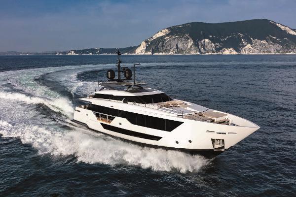 2020 Custom Line 106 Motoryacht thumbnail
