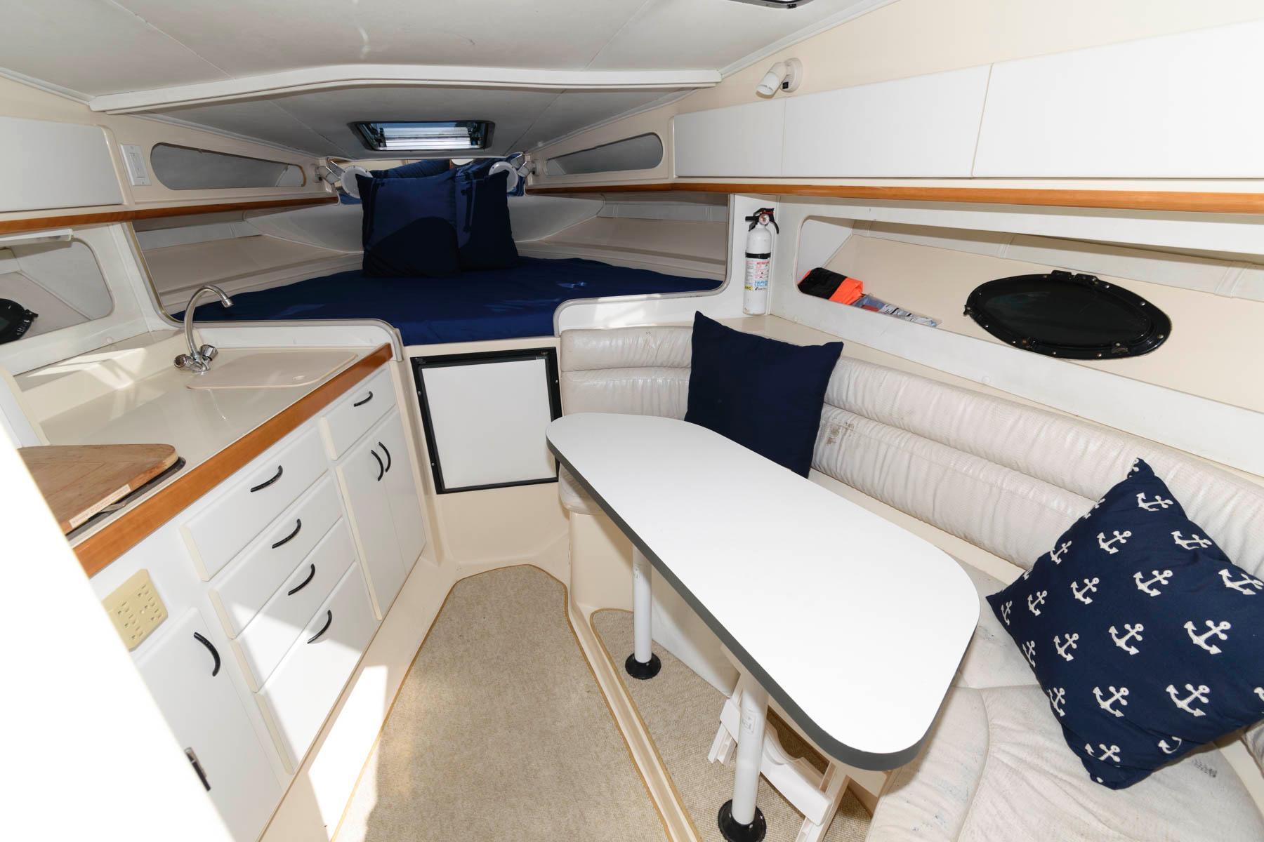 M 6437 WT Knot 10 Yacht Sales