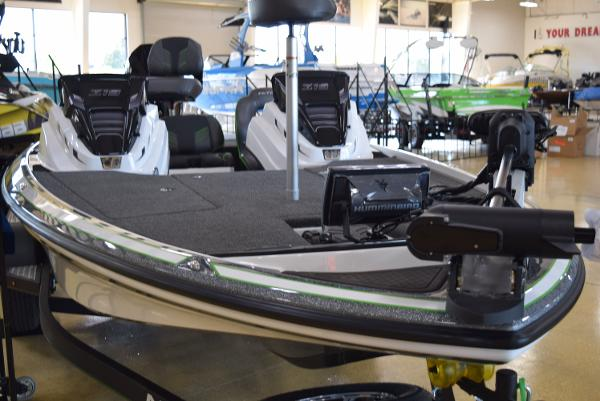 2021 Nitro boat for sale, model of the boat is Z19 Pro & Image # 4 of 20