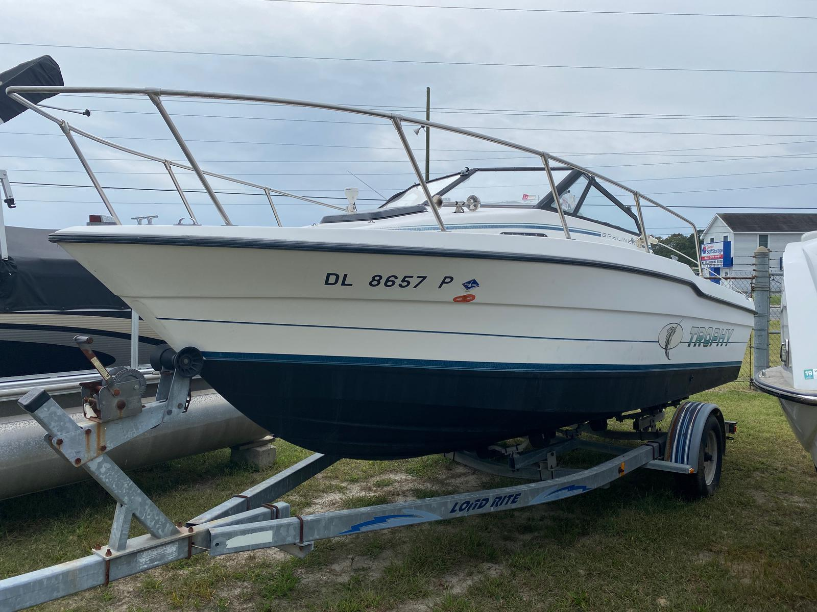 1991 Trophy Marine boat for sale, model of the boat is 2002 Walkaround & Image # 1 of 13