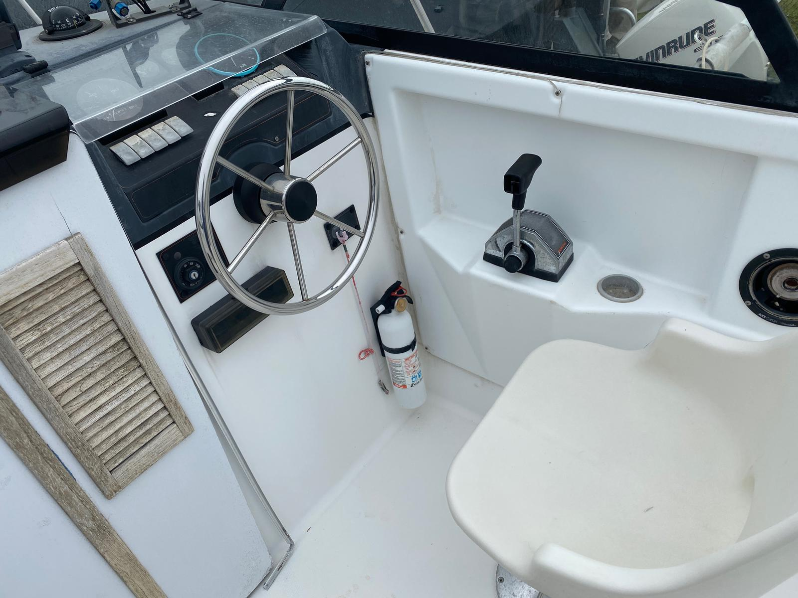 1991 Trophy Marine boat for sale, model of the boat is 2002 Walkaround & Image # 13 of 13