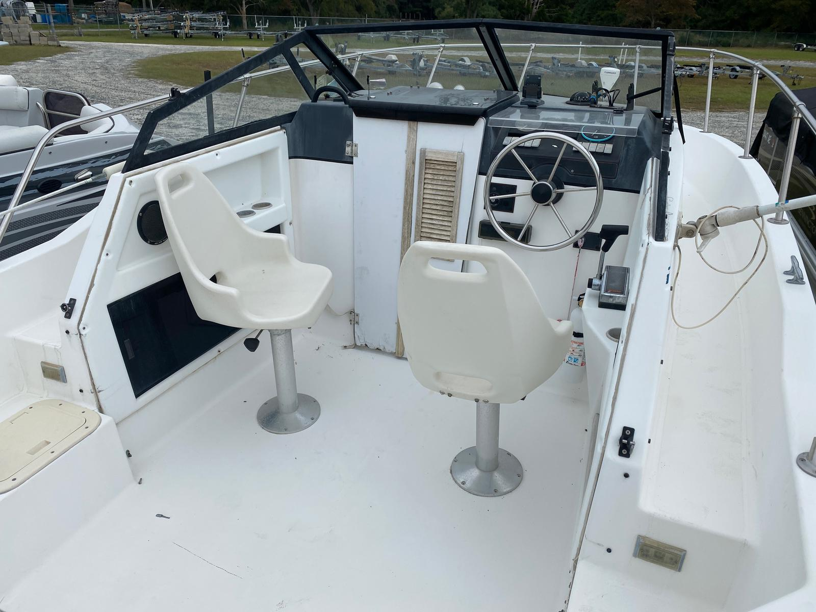 1991 Trophy Marine boat for sale, model of the boat is 2002 Walkaround & Image # 7 of 13