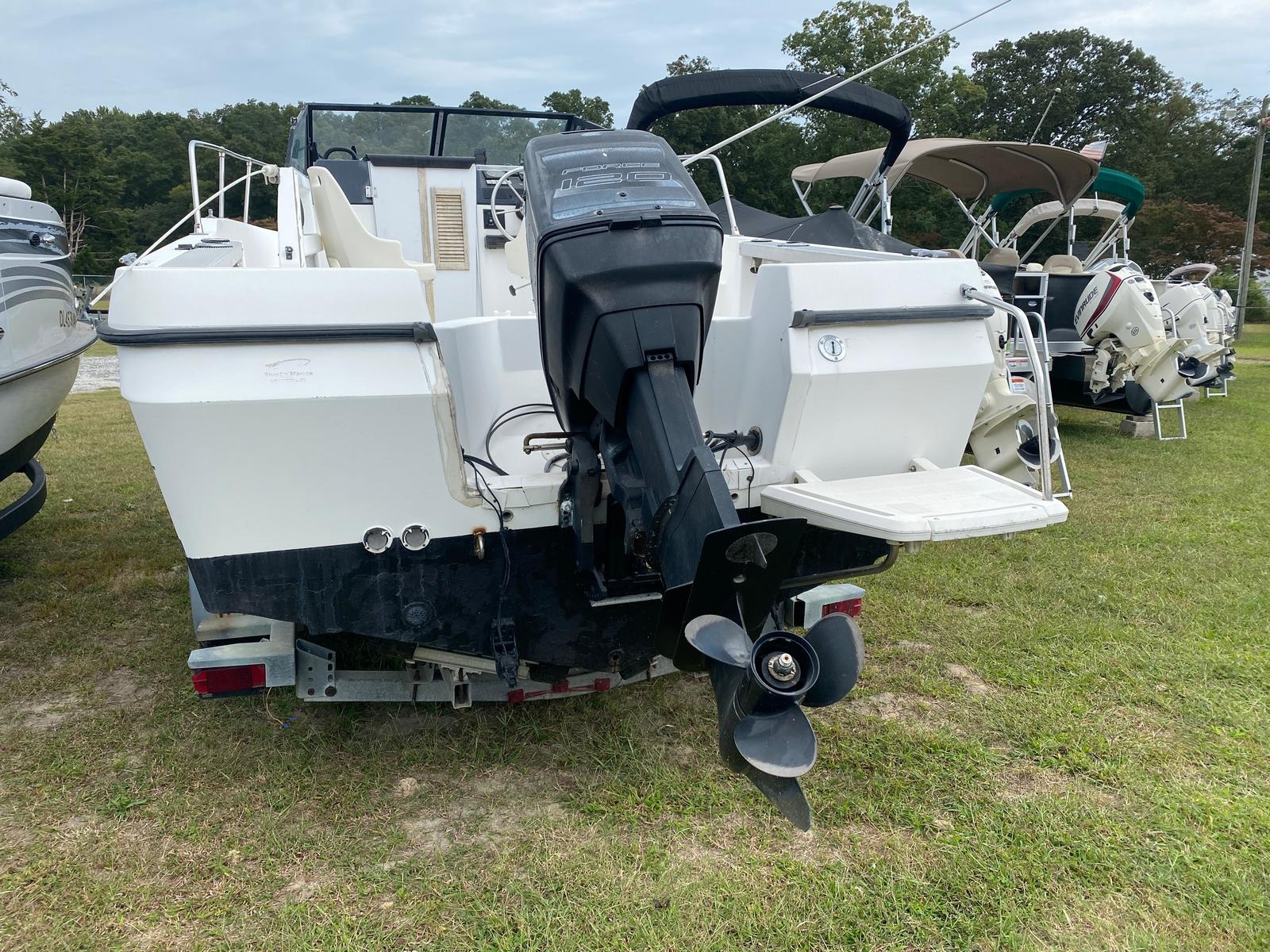 1991 Trophy Marine boat for sale, model of the boat is 2002 Walkaround & Image # 8 of 13
