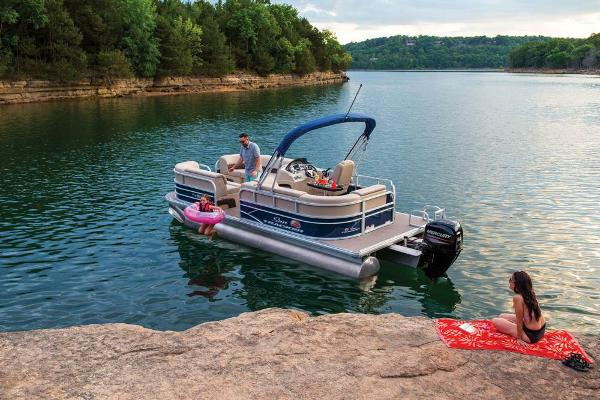 2019 Sun Tracker boat for sale, model of the boat is Party Barge 20 DLX & Image # 5 of 19