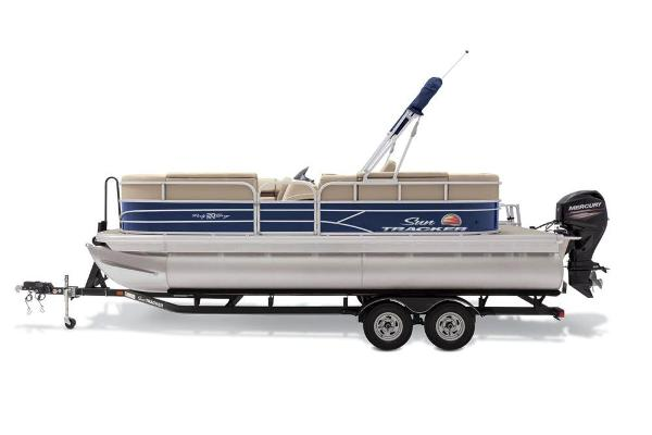 2019 Sun Tracker boat for sale, model of the boat is Party Barge 20 DLX & Image # 17 of 19