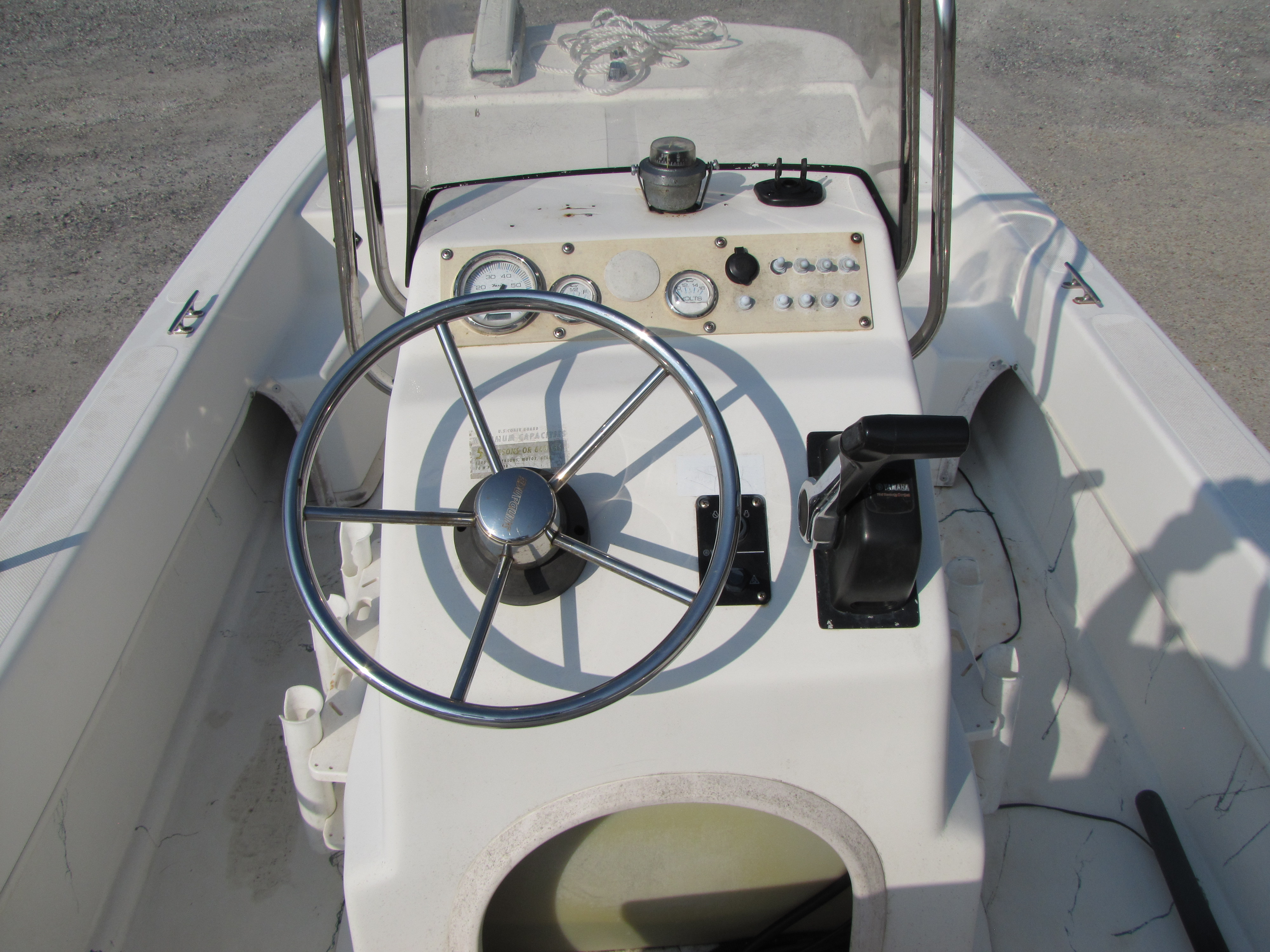 2009 Sundance boat for sale, model of the boat is 17 cc & Image # 10 of 15