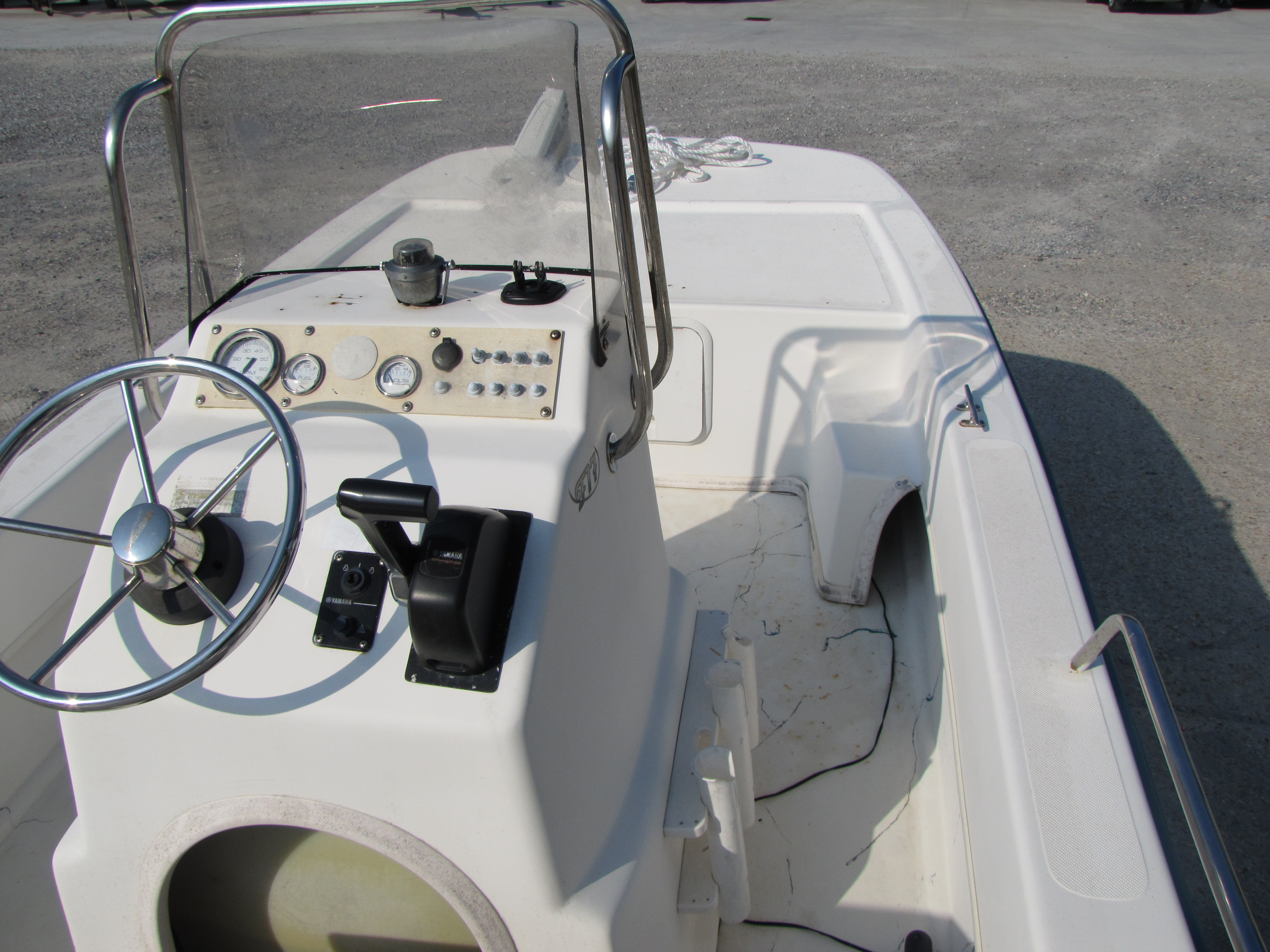 2009 Sundance boat for sale, model of the boat is 17 cc & Image # 12 of 15
