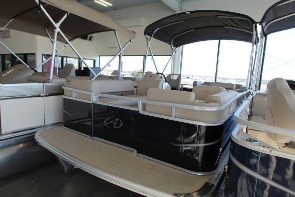 2021 AVALON 1880 VTX Cruise
