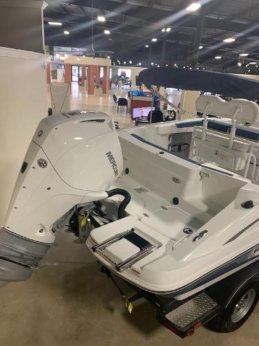 2021 Tahoe boat for sale, model of the boat is 2150 CC & Image # 4 of 5