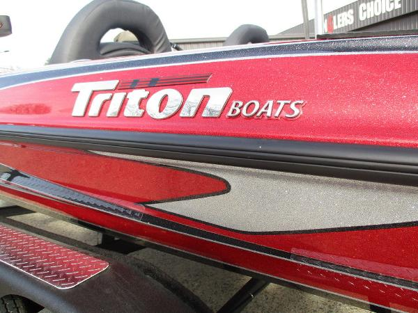 2021 Triton boat for sale, model of the boat is 18 TRX & Image # 6 of 12