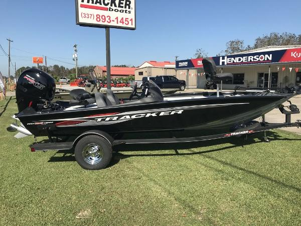 2020 Tracker Boats boat for sale, model of the boat is Pro Team™ 195 TXW & Image # 1 of 5