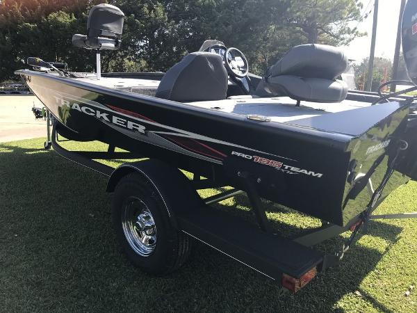 2020 Tracker Boats boat for sale, model of the boat is Pro Team™ 195 TXW & Image # 4 of 5