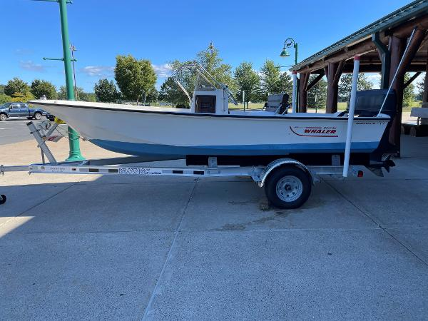 1976 Boston Whaler boat for sale, model of the boat is Montauk 17 & Image # 5 of 6