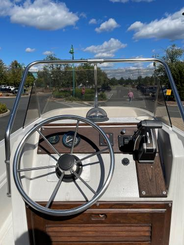 1976 Boston Whaler boat for sale, model of the boat is Montauk 17 & Image # 2 of 6