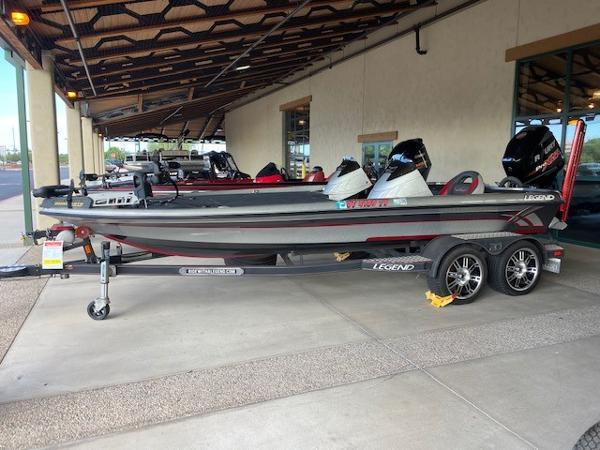 2015 Legend boat for sale, model of the boat is V20 DC & Image # 1 of 7