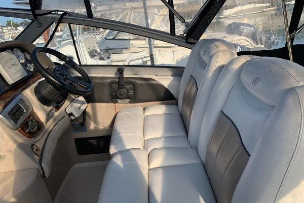 2005 Four Winns boat for sale, model of the boat is 258 Vista & Image # 3 of 8