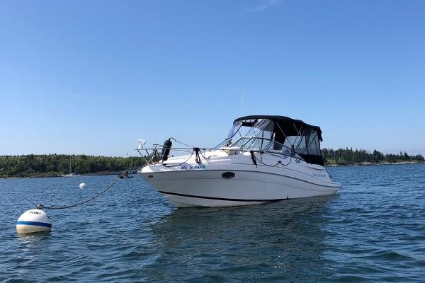 2005 Four Winns boat for sale, model of the boat is 258 Vista & Image # 1 of 8