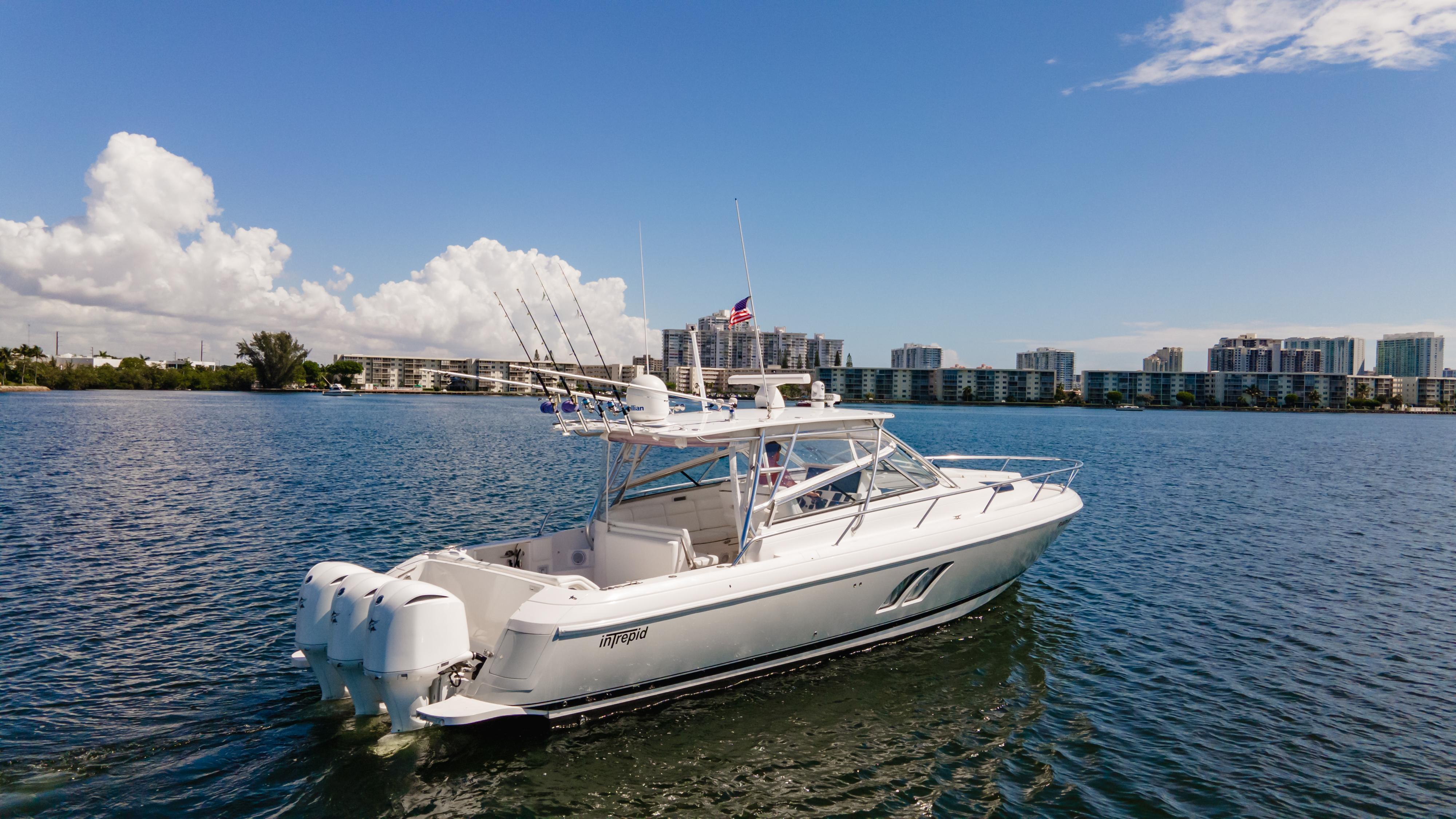 2011 Intrepid 430 Sport Yacht