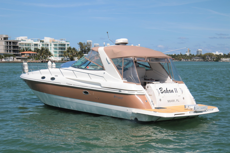 2002 Cruisers Yachts 3870