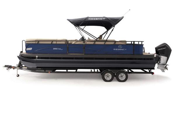 2019 Regency boat for sale, model of the boat is 250 DL3 & Image # 12 of 20
