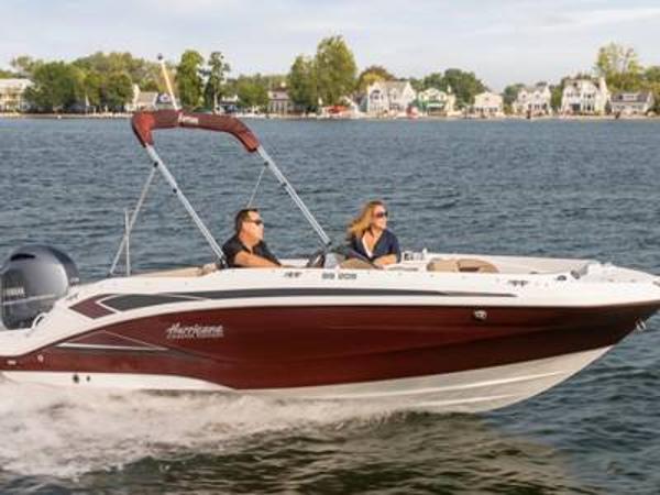 2021 Hurricane boat for sale, model of the boat is SunDeck Sport 205 OB & Image # 1 of 1
