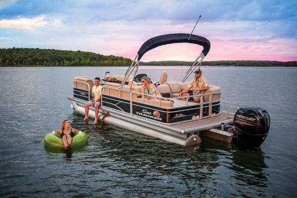2019 Sun Tracker boat for sale, model of the boat is Party Barge 22 RF DLX & Image # 10 of 28