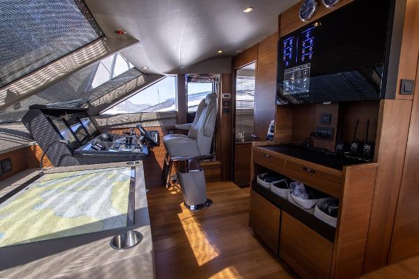 Princess Motor Yacht Sales - Used Princess 88 Motor Yacht