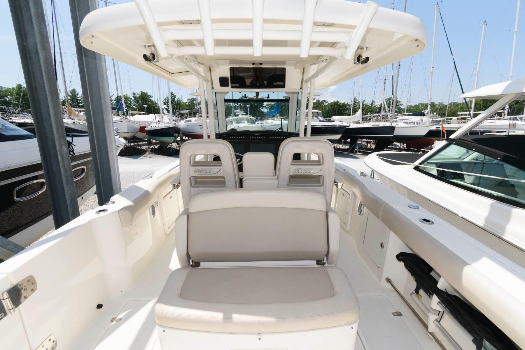M 6223 RD Knot 10 Yacht Sales