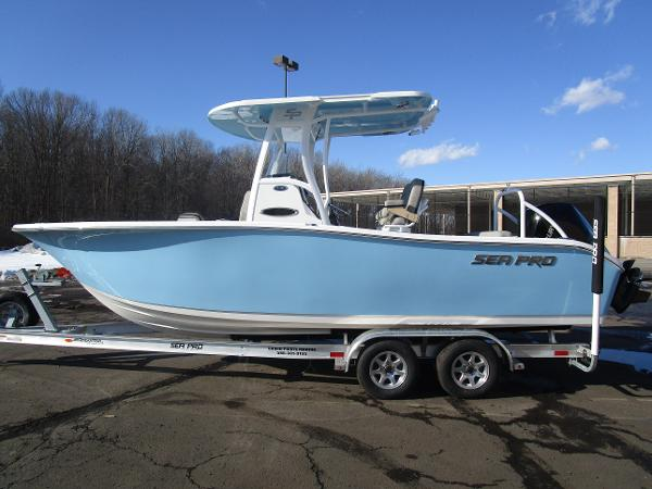 2021 Sea Pro boat for sale, model of the boat is 239 DLX & Image # 1 of 44