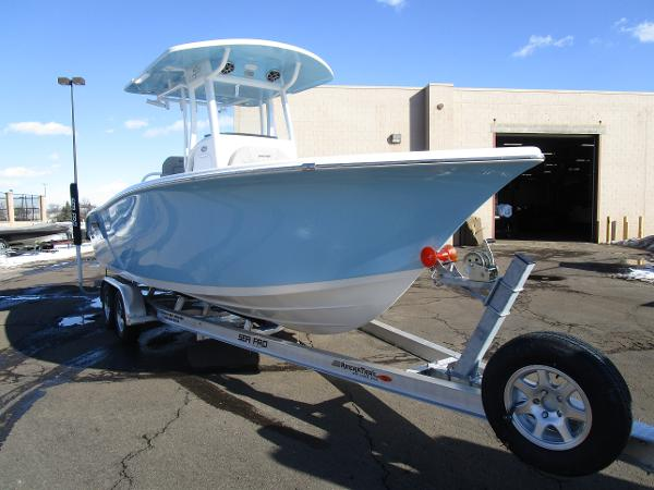 2021 Sea Pro boat for sale, model of the boat is 239 DLX & Image # 5 of 44