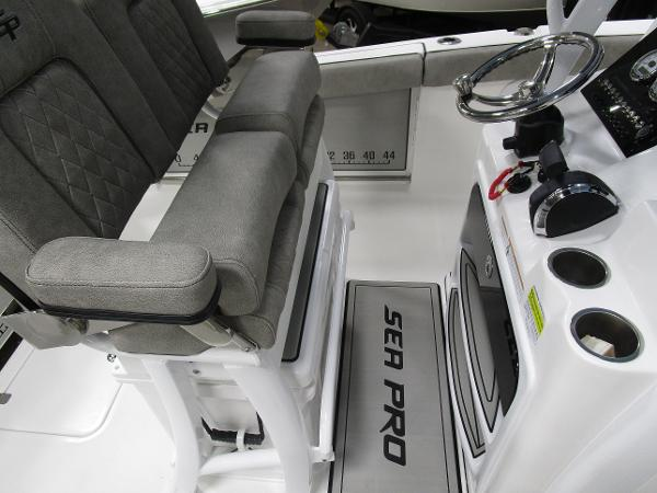 2021 Sea Pro boat for sale, model of the boat is 239 DLX & Image # 21 of 44