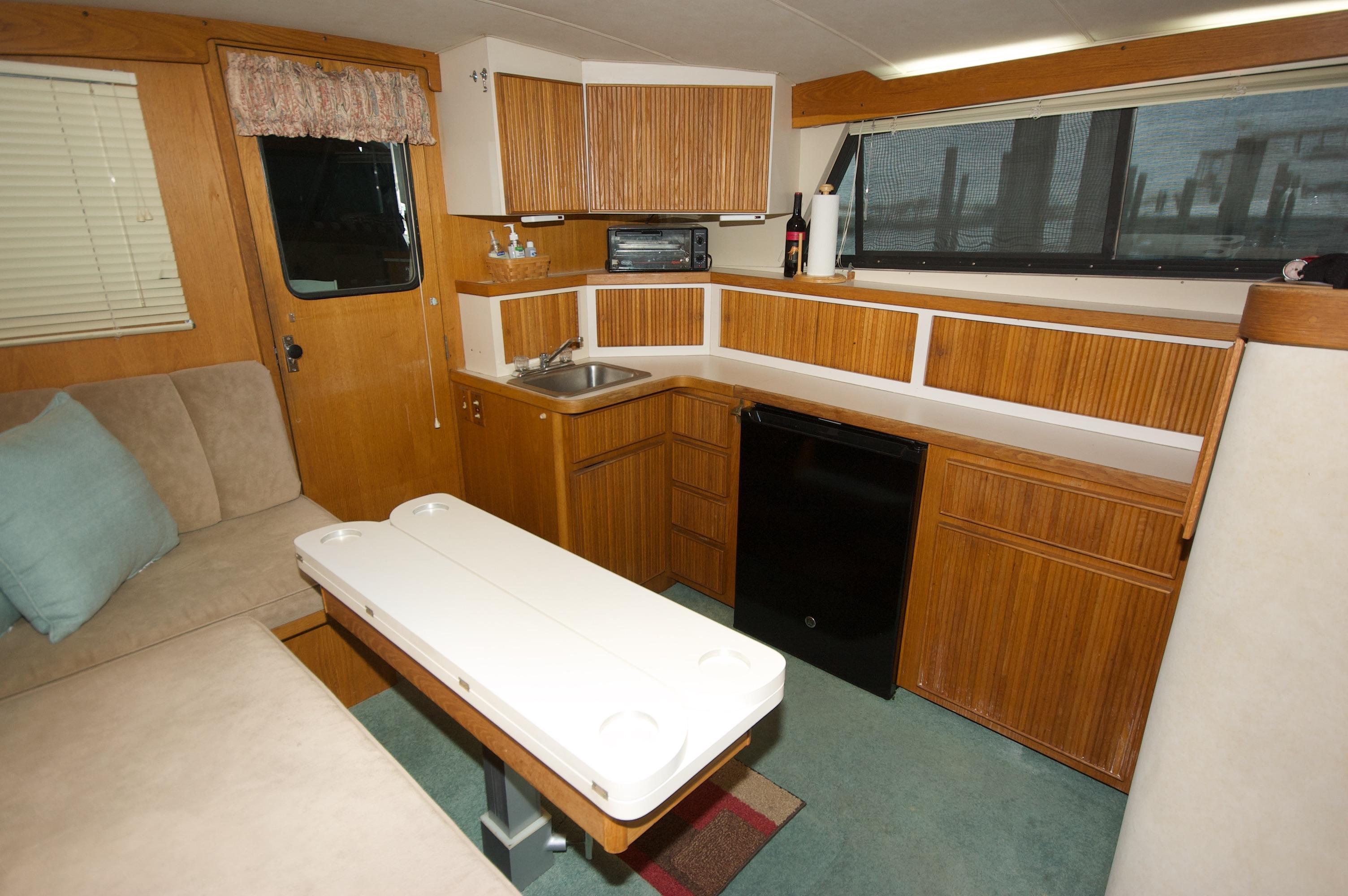 O 6411 HG Knot 10 Yacht Sales