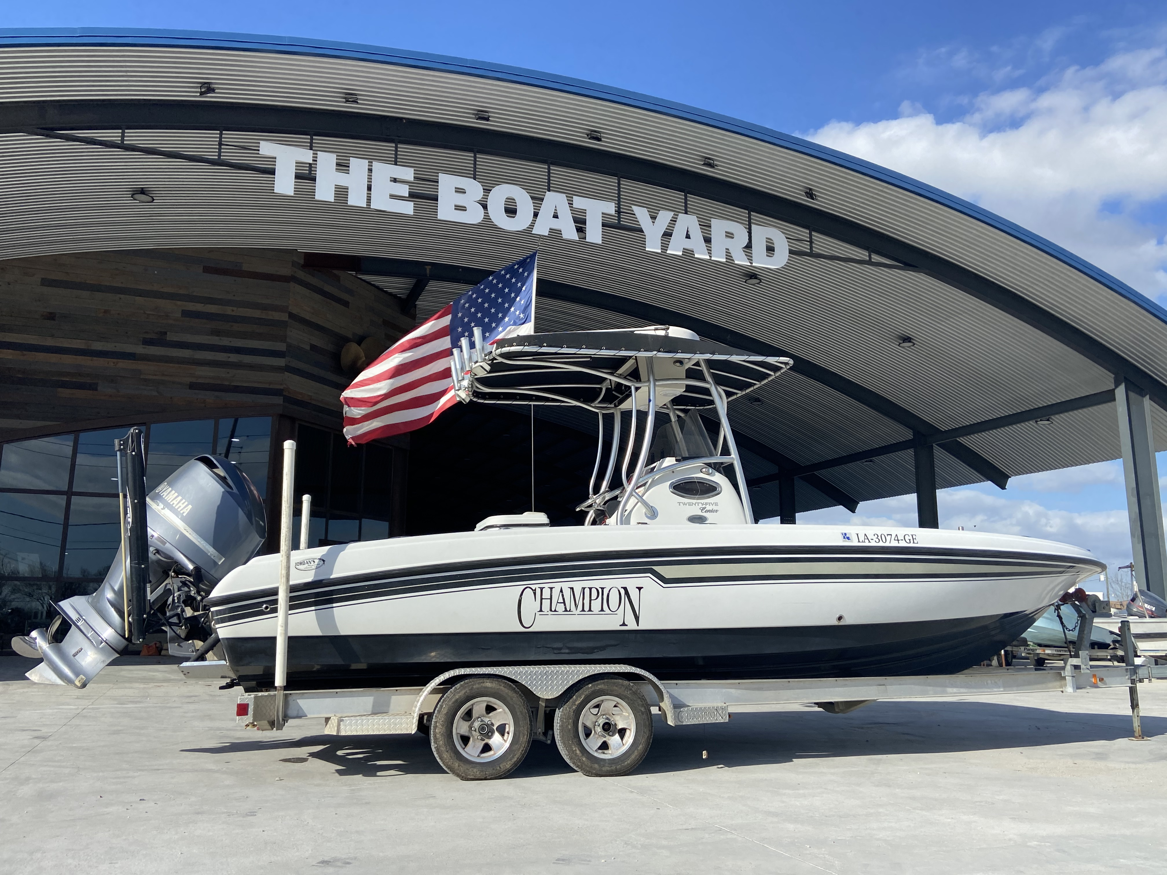 2010 Champion boat for sale, model of the boat is 25 BAY & Image # 1 of 25