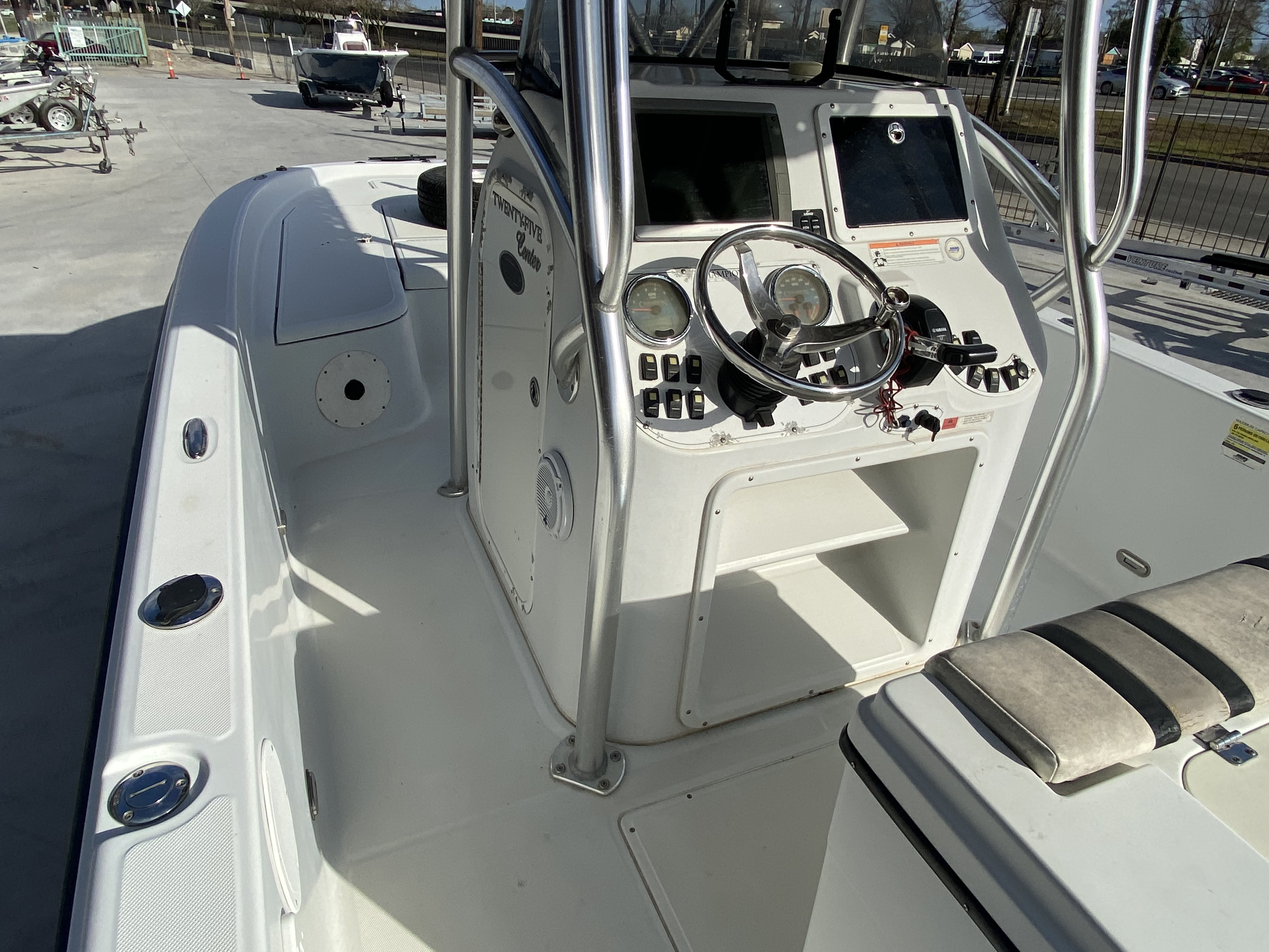 2010 Champion boat for sale, model of the boat is 25 BAY & Image # 20 of 25