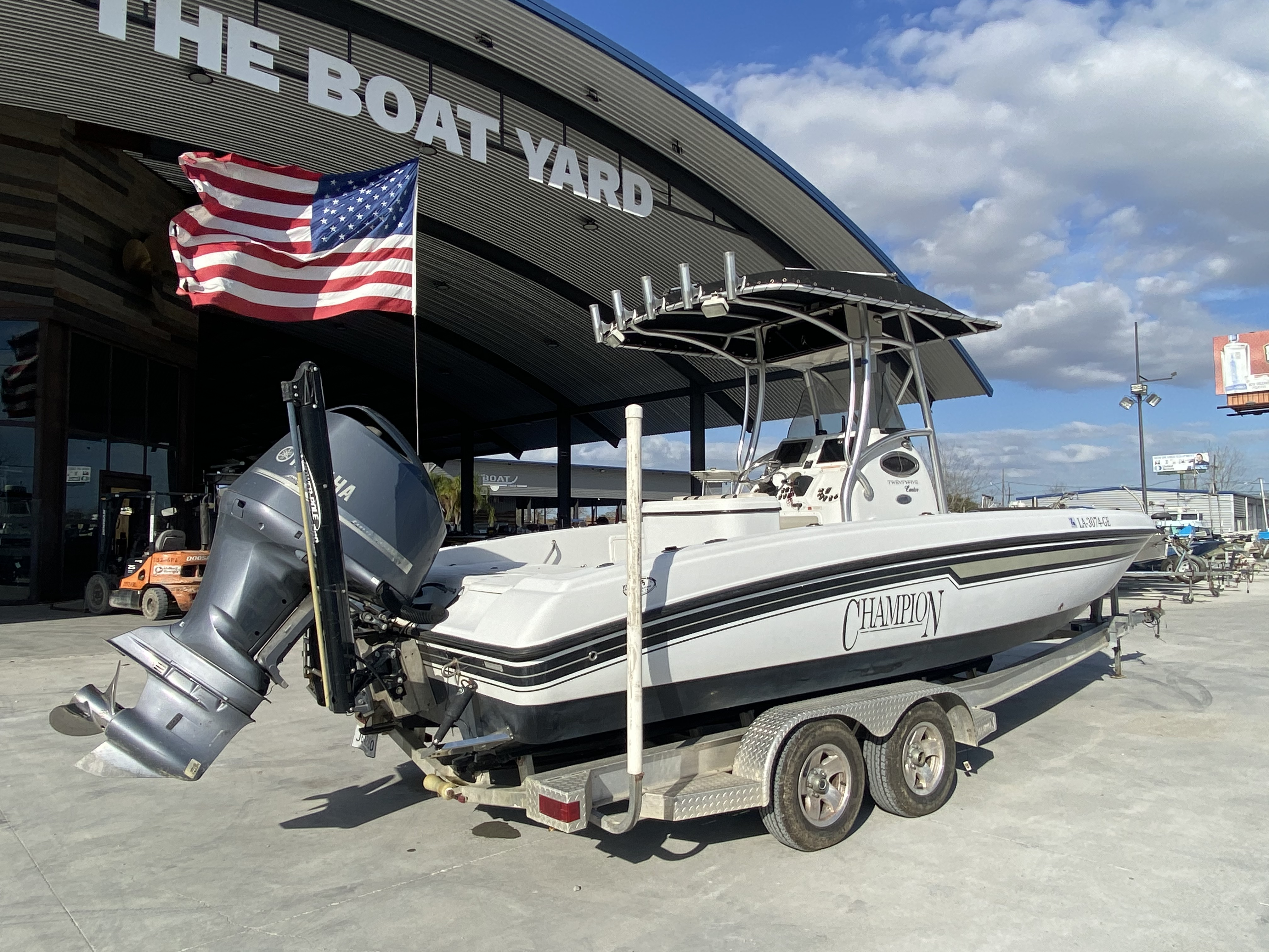 2010 Champion boat for sale, model of the boat is 25 BAY & Image # 10 of 25