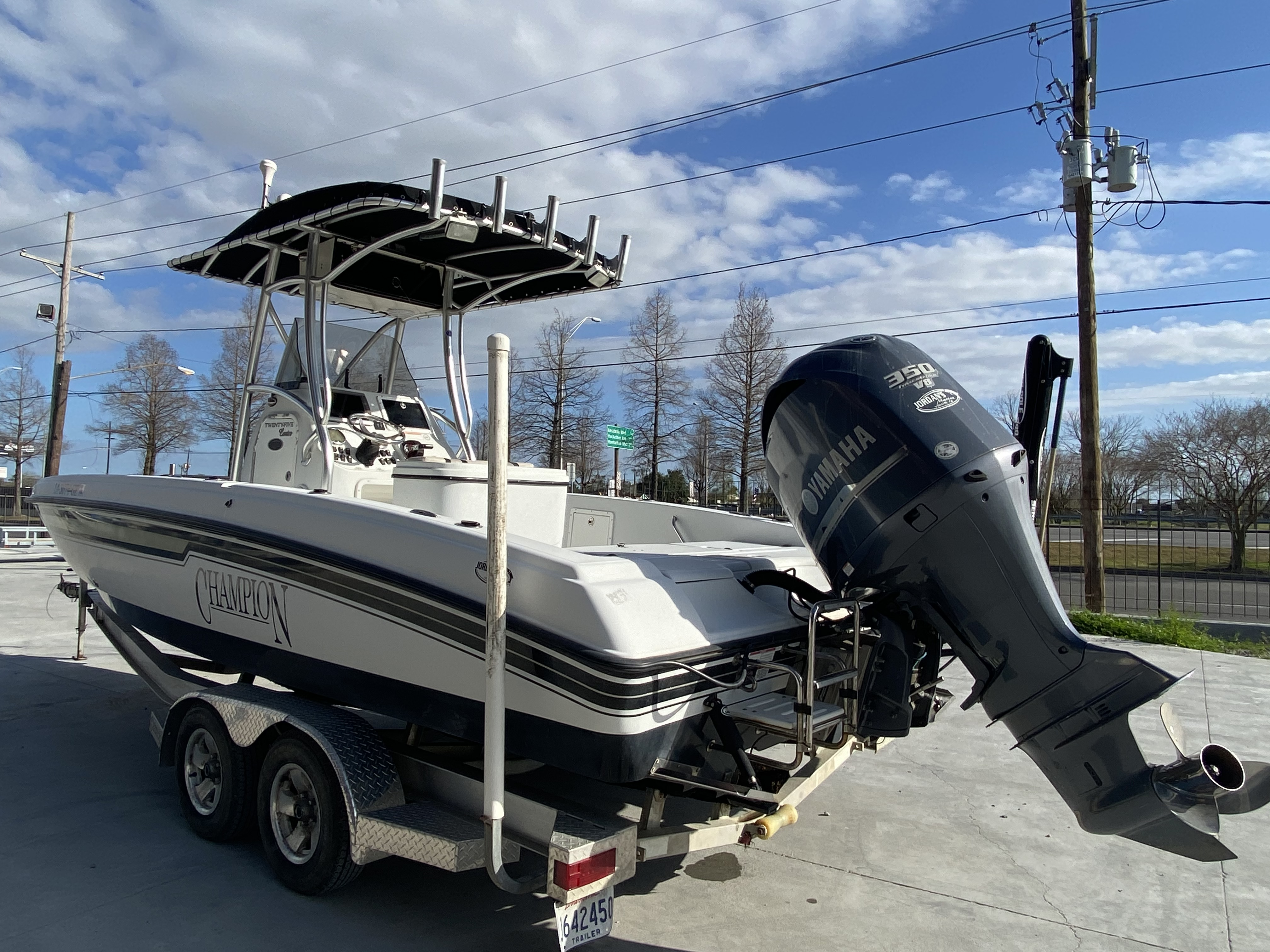 2010 Champion boat for sale, model of the boat is 25 BAY & Image # 12 of 25