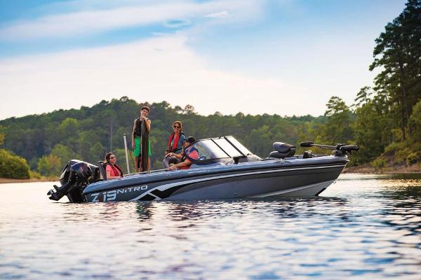 2019 Nitro boat for sale, model of the boat is ZV19 Sport & Image # 16 of 40