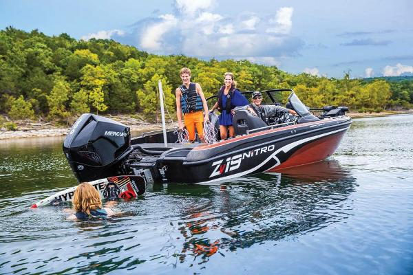 2019 Nitro boat for sale, model of the boat is ZV19 Sport & Image # 20 of 40