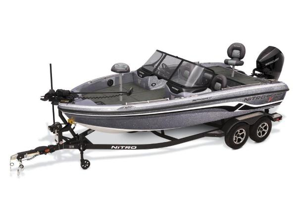 2019 Nitro boat for sale, model of the boat is ZV19 Sport & Image # 7 of 40